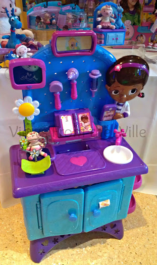 Doc McStuffins Checkup Station from Just Play Demoed at Sweet Suite '13 #SweetSuite13