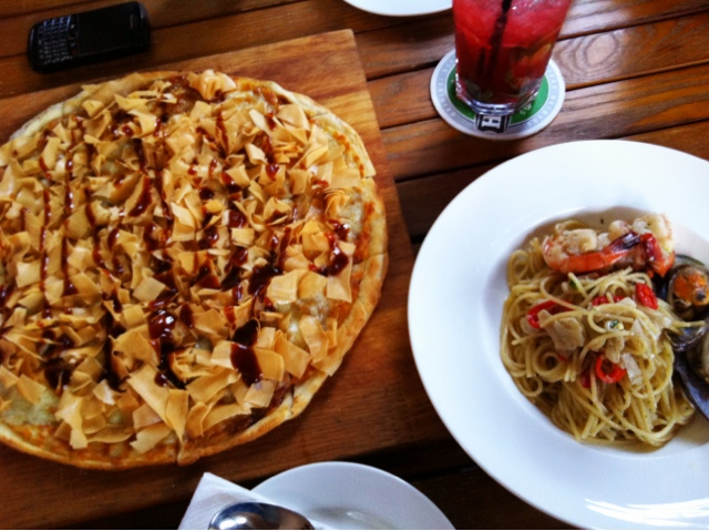 food review timbre duck pizza and seafood aglio olio a minute with adora. Black Bedroom Furniture Sets. Home Design Ideas