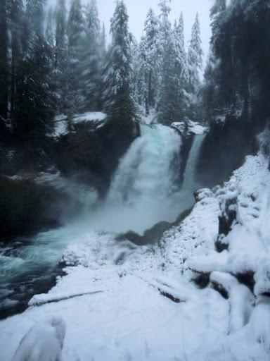 Sahalie Falls in Winter