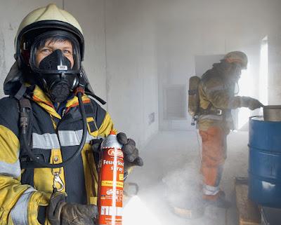 Feuerlöschspray im Einsatz