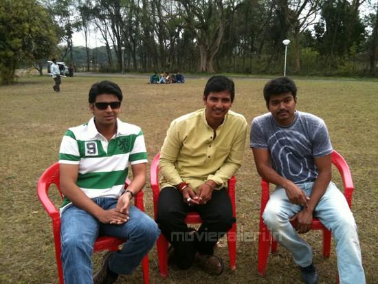 Vijay @ Nanban Shooting Spot Stills Pics
