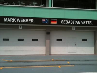 Singapore F1 Pit Photo 7