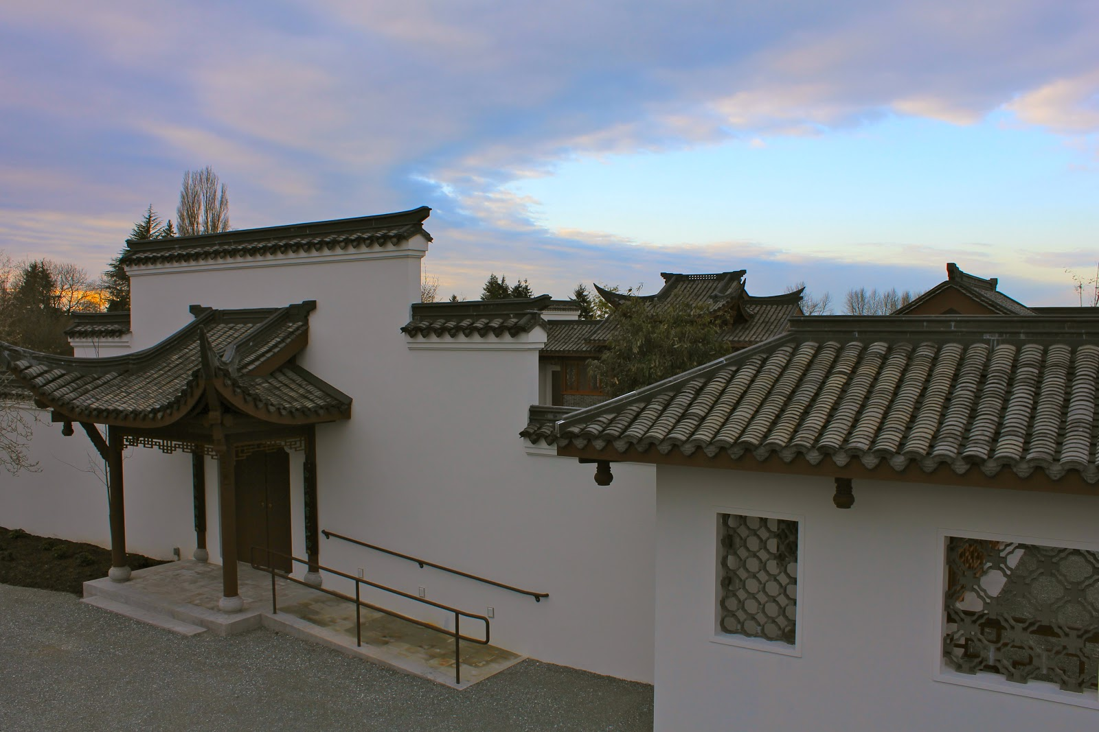 winter sky opens spring window seattle chinese garden 西华园