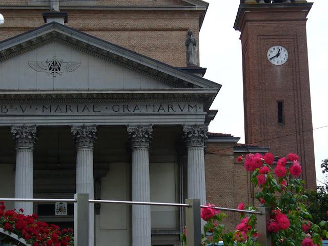 Il Duomo con il titolo Beata Vergine Maria delle Grazie