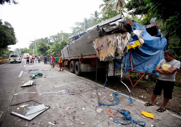 Philippines Bus Accident2