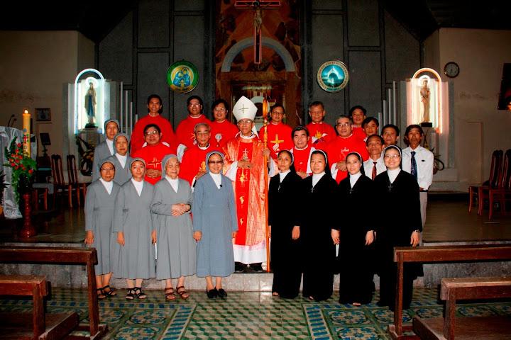 Thánh lễ bổ nhiệm tân chánh xứ Hòa Ninh