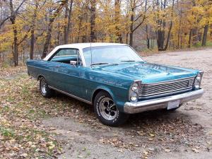 1965 Ford Galaxie (Source: Wikimedia Commons - Duston15)