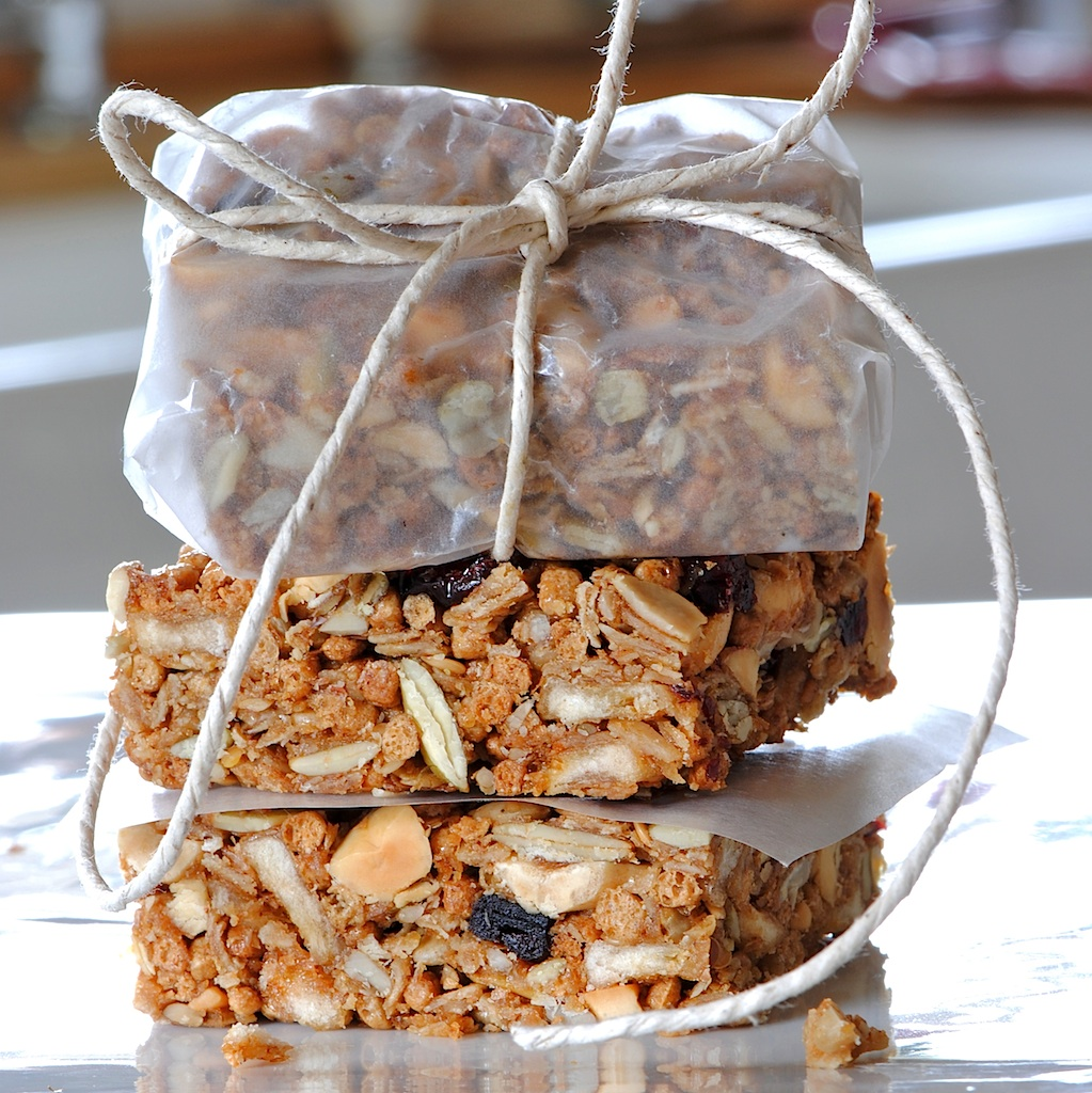 "JULES FOOD...: ""Clean out the drawers"" Granola Bars"