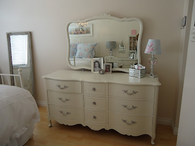 White Cottage Chic A Shabby Chic Bed Part 2