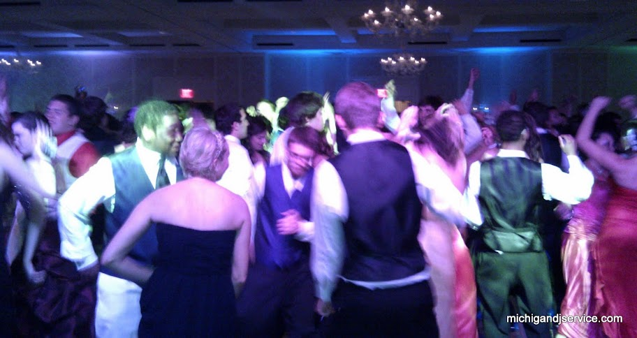Michigan DJ Service Dance