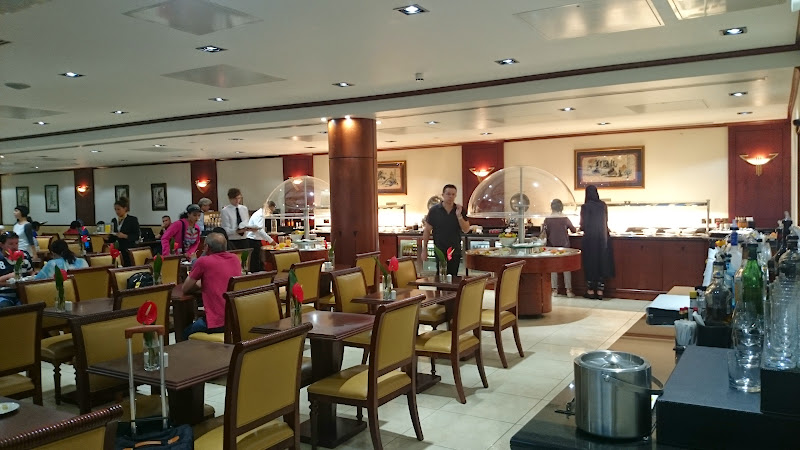 DSC 4563 - REVIEW - The Lounges of LHR T3 - EK, CX and BA (September 2014)