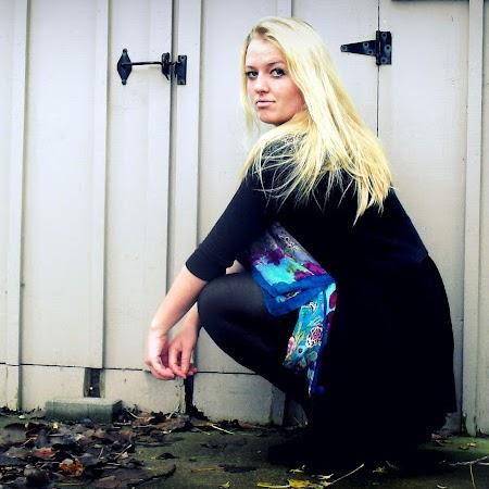 Laura Melville Photo 12