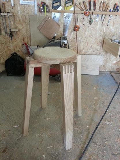 Chaise design pour petit garçon 20140311_163714