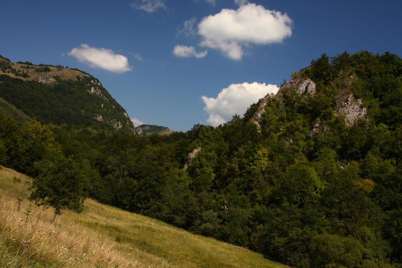 Covasna pesteri munti Persani calcar Tinutul Secuiesc