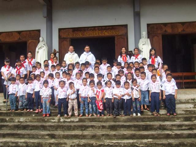 Lễ ra mắt đoàn Thiếu Nhi Thánh Thể Anrê Kim Thông Giáo Xứ Đất Sét