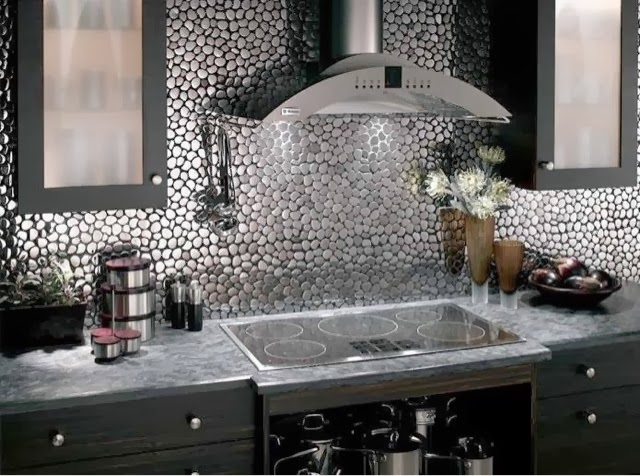 Interiorismo al descubierto mallas paredes cocina for Ceramica decorativa para cocina