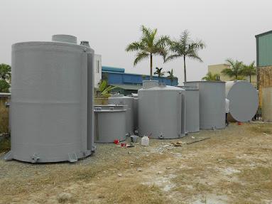 bãi chứa bồn composite chuẩn bị xuất xưởng