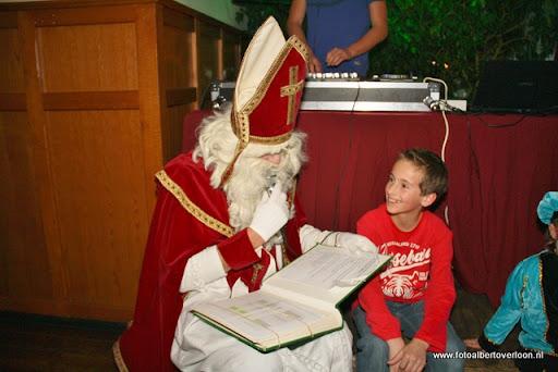 sinterklaas en feestavond msv overloon 02-12-2011 (68).JPG