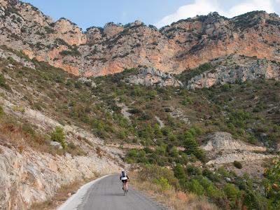 Pujant per la carretera cap a Montanissell