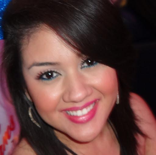 Karen Padilla Photo 22