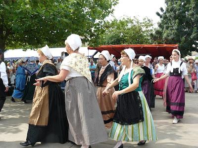 French village diaries Marais Poitevin Le Vanneau market France