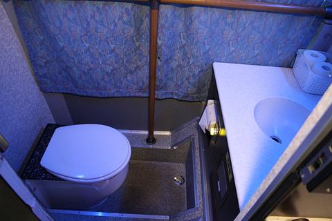 中国バス「広福ライナー」 G1106 後部トイレ