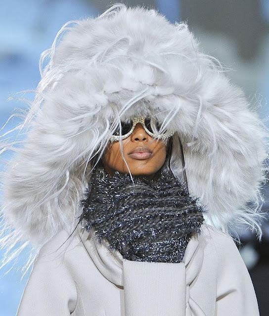 sunglasses_from_Marc_Jacobs_runway_show_fall_2012