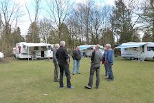 Mannenpraat op het veld