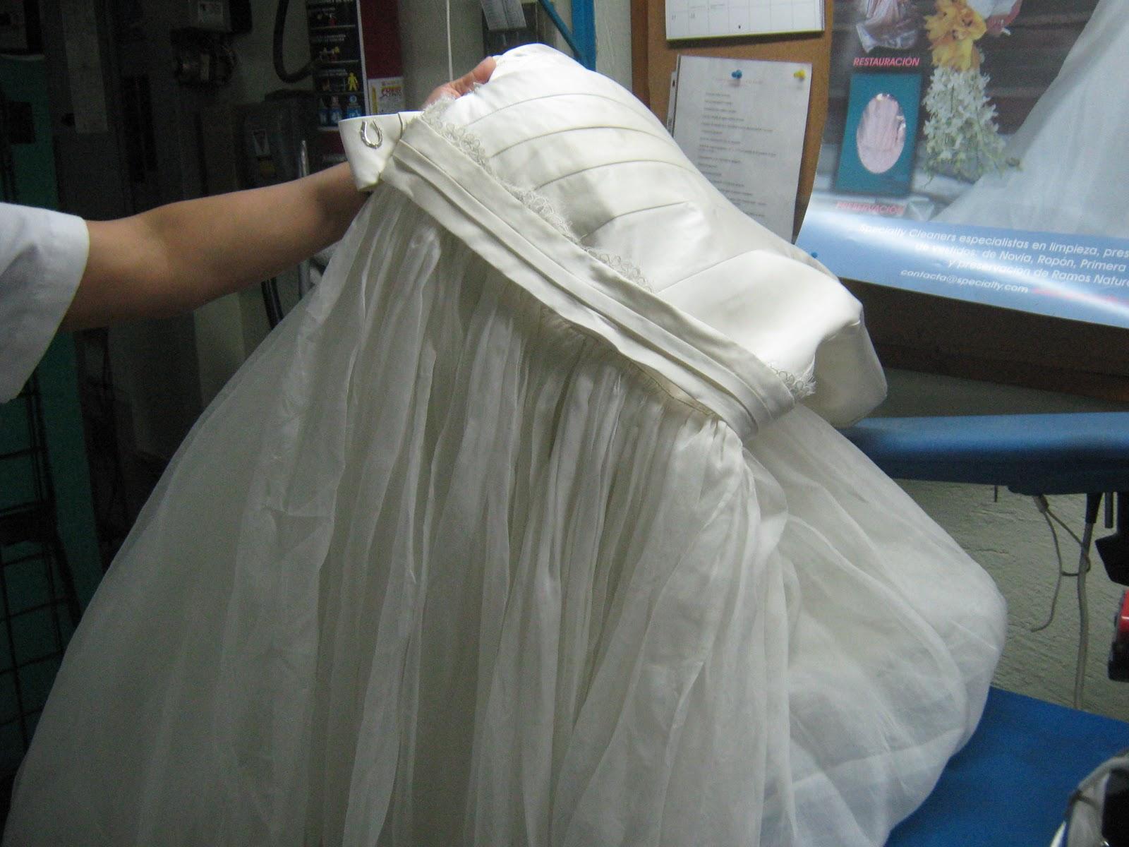 elementos que pueda colocar en mi vestido de novia para tener suerte ...
