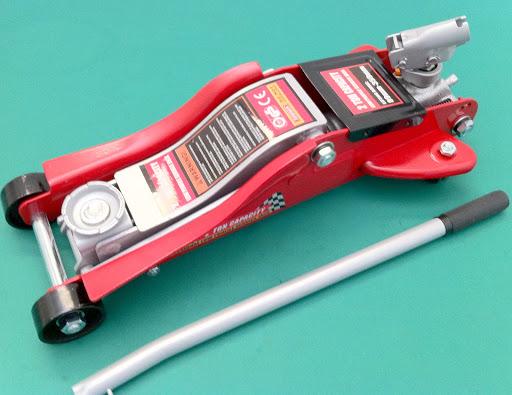 Cric sollevatore idraulico a carrello professionale 2 ton for Cric idraulico a carrello professionale prezzi