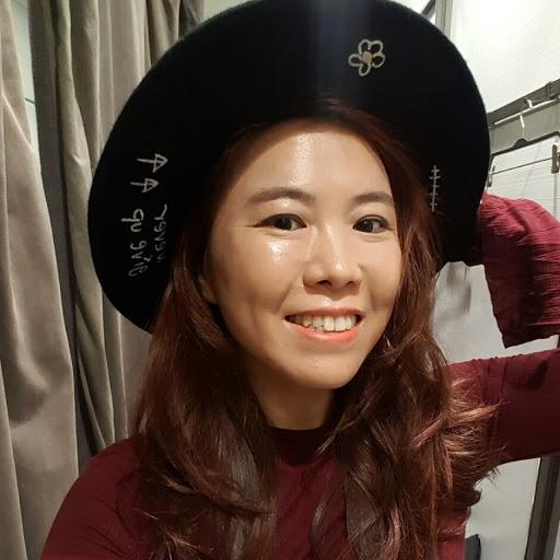 Hyunsook Kim Photo 15