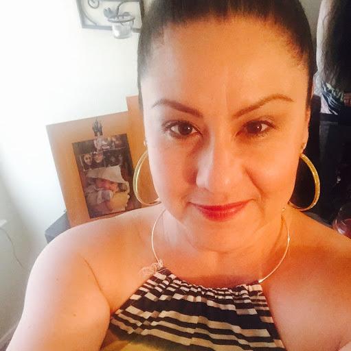 Elvira Aguirre Photo 25