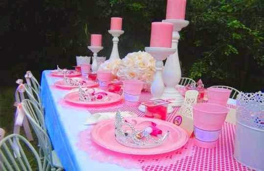 tema color rosado como tema para una fiesta princesa