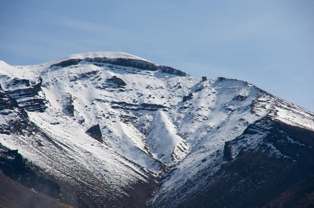 息づく旭岳