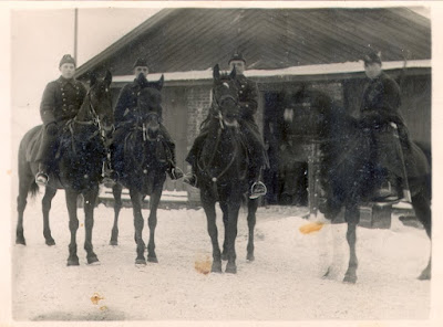 Крайний слева Дроздик П.М. (Переволок)1931 год(из его личного архива)