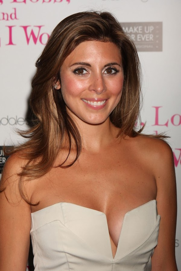 Jamie Lynn Sigler still has what it takes(22photos):celebrities,cleavage