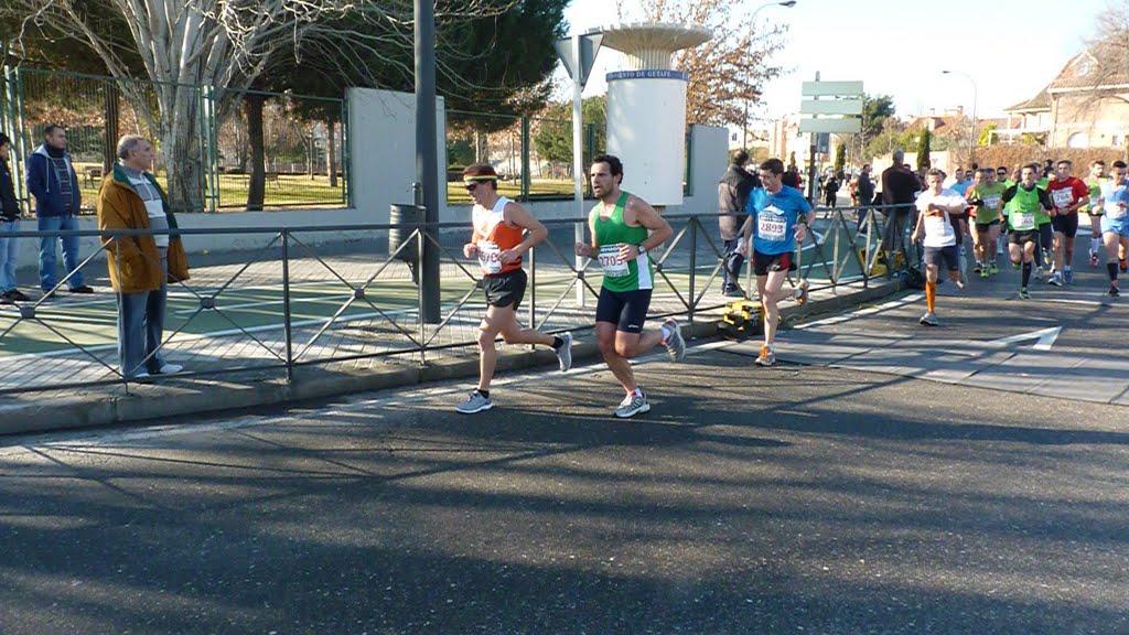 Juan pasando el km.10 , en 40'05