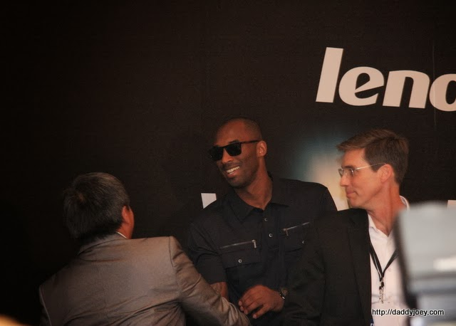 Kobe was first scheduled to greet his fans at the SM Mall of Asia at