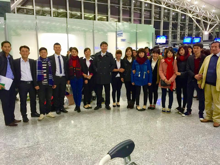 tiễn du học sinh tại sân bay