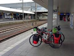 Salsa Vaya 3 on the platform at Heidelberg train station