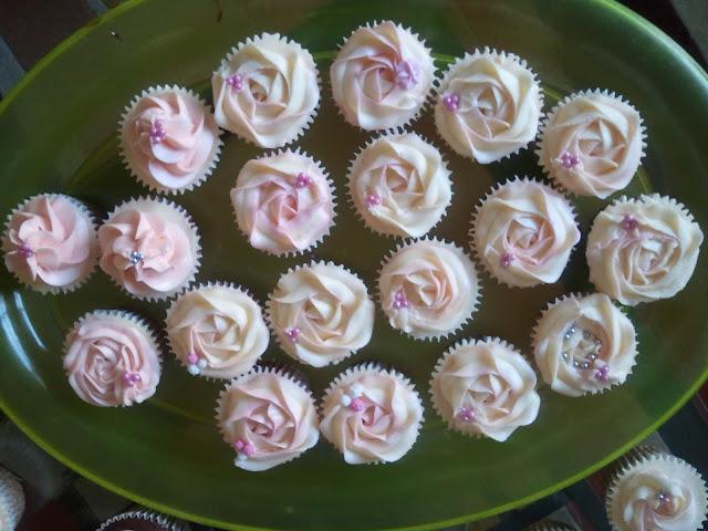 Cupcakes  الكعك ((فقط من أمواج )) صور  2011-06-04%25252018.16.18