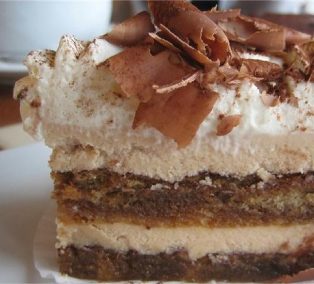 Delicious Family Recipes: Tiramisu Layer Cake