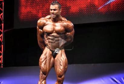 Eduardo Correa - Posing At The 2012 EVLS Prague Pro