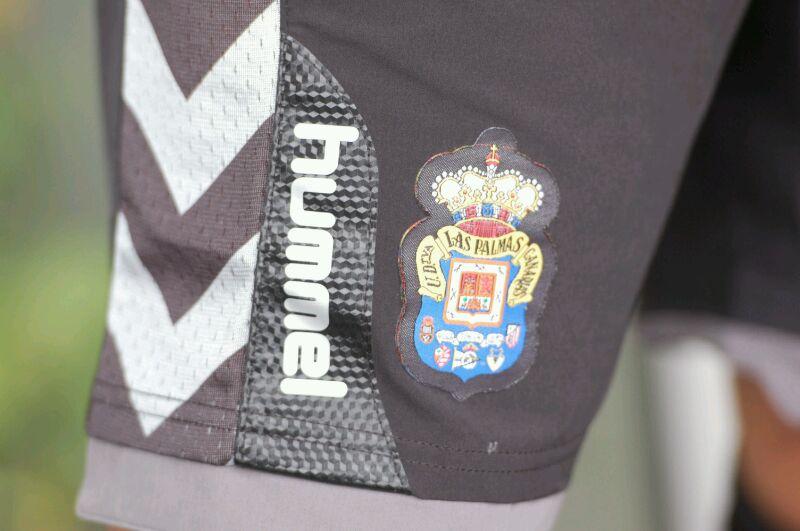 El Real Valladolid elige a Hummel para sustituir a Kappa - Página 2 IMG-20120731-WA0006
