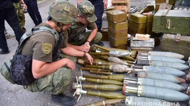 Три добровольческих батальона в Украине, сдали тяжелое оружие