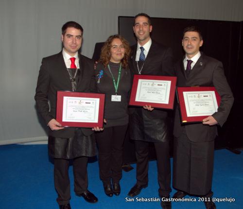 Luz Divina Merchán jurado Mejor Sumiller de España 2011 junto a los tres finalistas. Rafael Reyes, mejor sumiller España 2011, Álvaro Prieto Martín, 2º clasificado, Sergi Figueras Atraoril, 3er clasificado.
