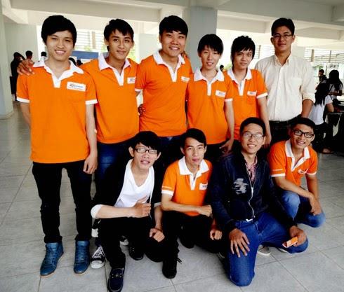 Đội tuyển dự thi MOSWC 2014 của Cao đẳng thực hành FPT Polytechnic Hồ Chí Minh.
