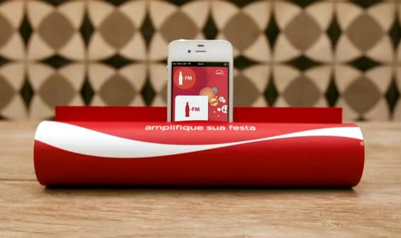 Coca-Cola FM Uses An iPhone and Turns A Magazine Into An Amplifier