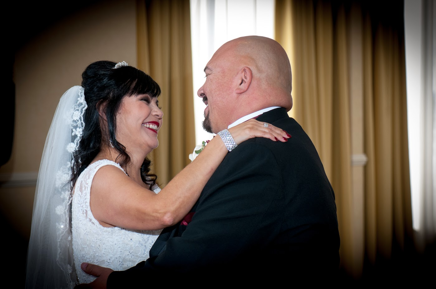 Happy wedding memories at the Knotts Berry Farm Hotel in Buena Park, CA