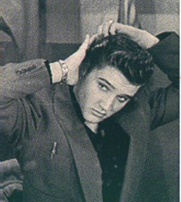Réactions et discussions  - Page 4 Elvis-hair
